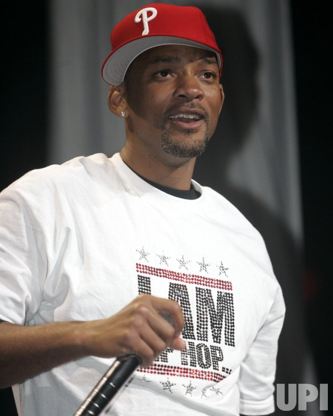 WILL SMITH PERFORMS IN CONCERT