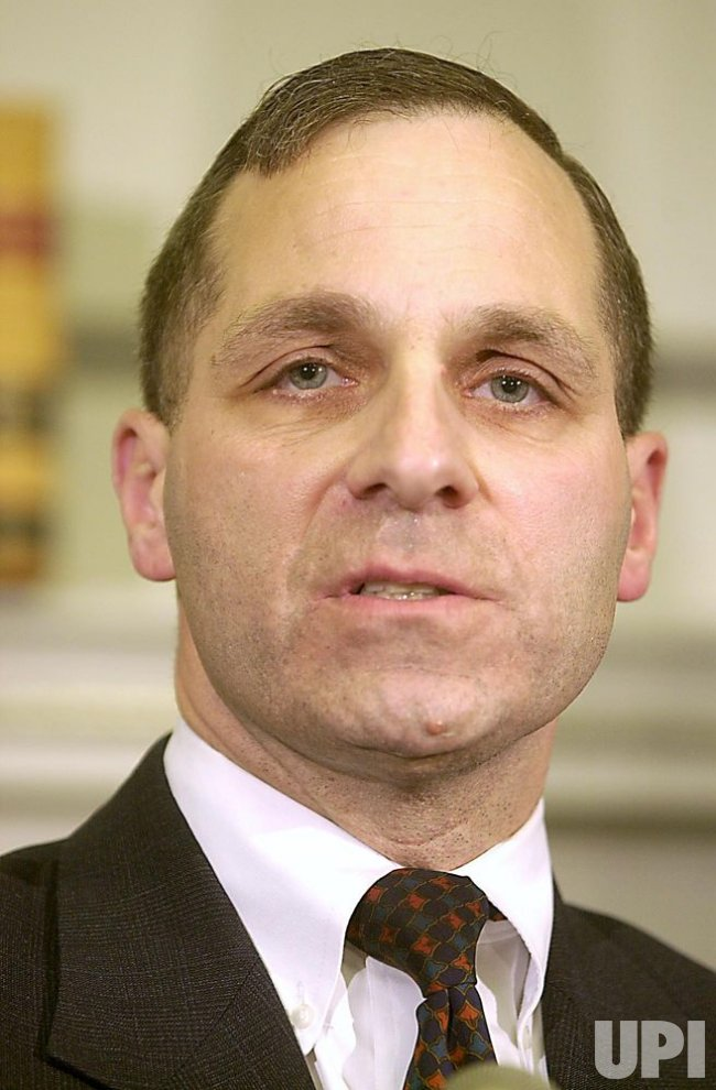 Louis Freeh steps down as Director of the FBI