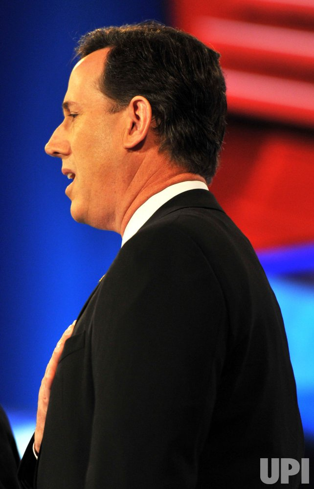 Santorum sings the National Anthem in Arizona