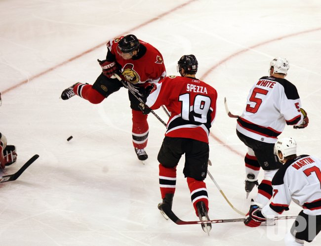NEW JERSEY DEVILS AT OTTAWA SENATORS IN ROUND 2 GAME 3 OF NHL PAYOFFS