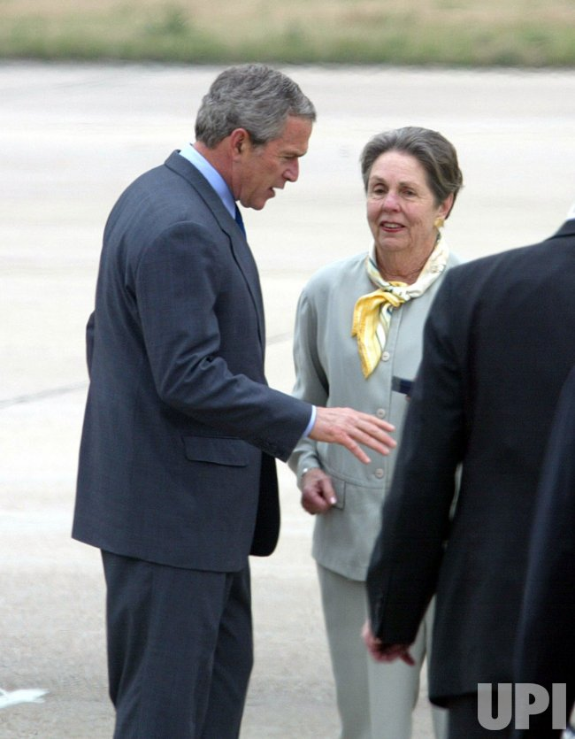 PRESIDENT BUSH VISITS NEW ORLEANS IN THE WAKE OF HURRICANE KATRINA