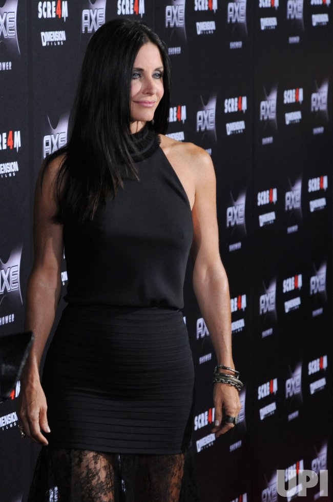 """Courteney Cox arrives at the """"Scream 4"""" premiere in Los Angeles"""