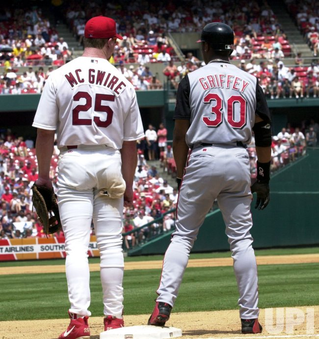 St. Louis Cardinals vs Cincinnati Reds baseball
