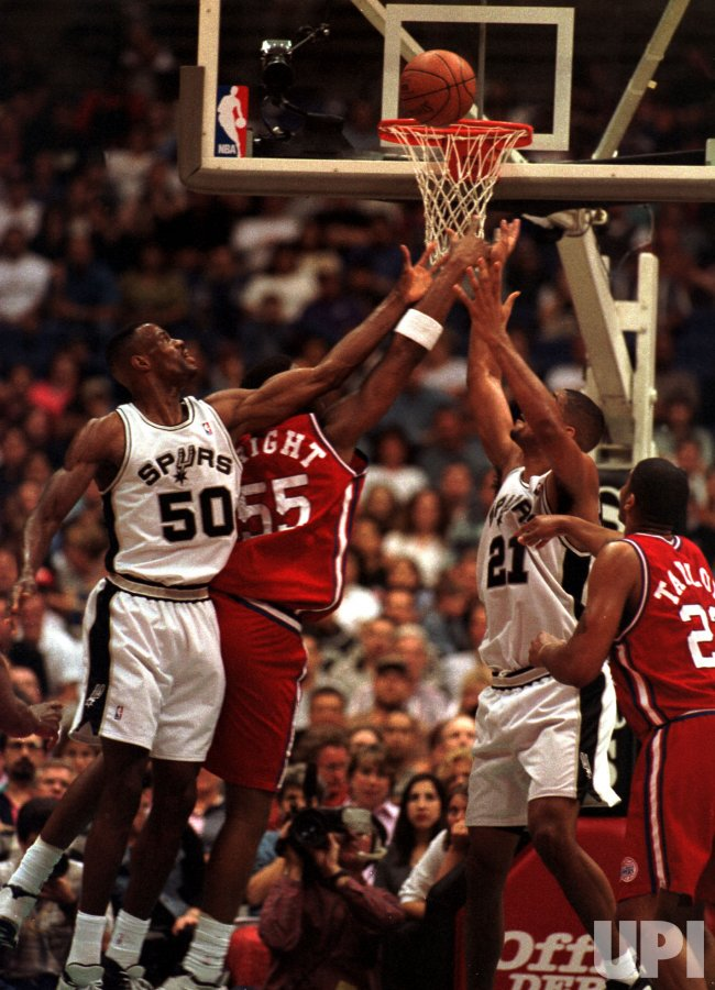San Antonio Spurs David Robinson (50) and Tim Duncan