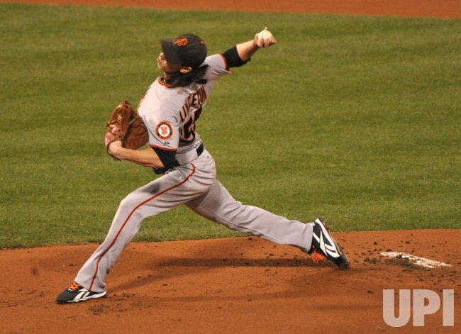 Giants' Tim Lincecum pitches during Game 1 of the NLCS in Philadelphia