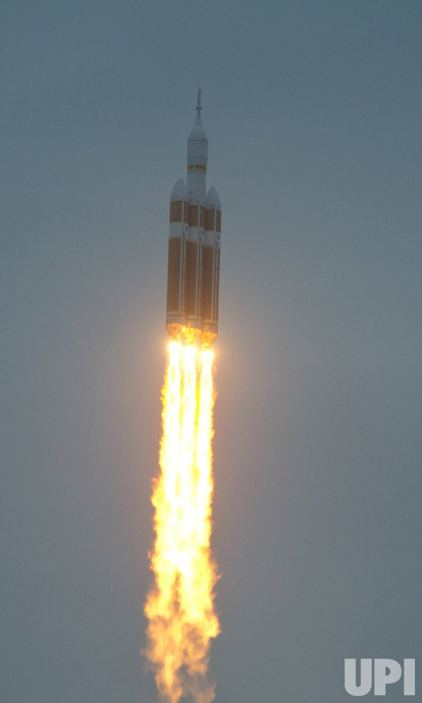 Delta IV launches NASA's Orion spacecraft on maiden ...
