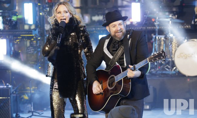 Sugarland performs on New Year's Eve in Times Square