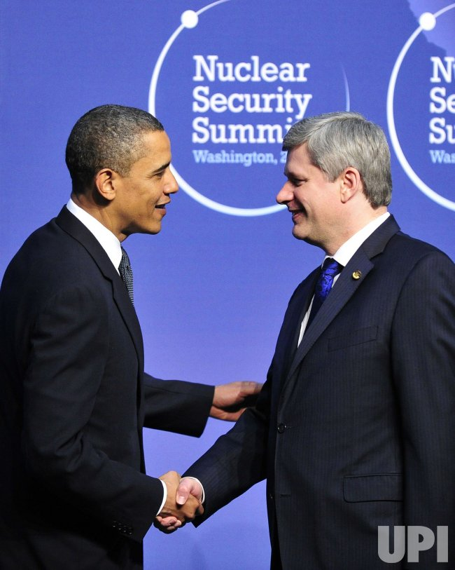 Obama welcomes Prime Minister Stephen Harper of Canada