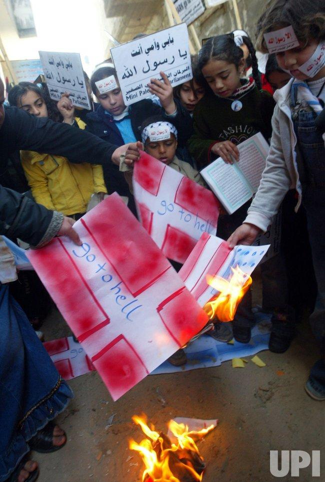 Palestinians protest cartoon of Prophet Mohammad