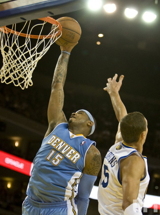 Nuggets Carmelo Anthony scores 39 points in defeat of Warriors in Oakland, California