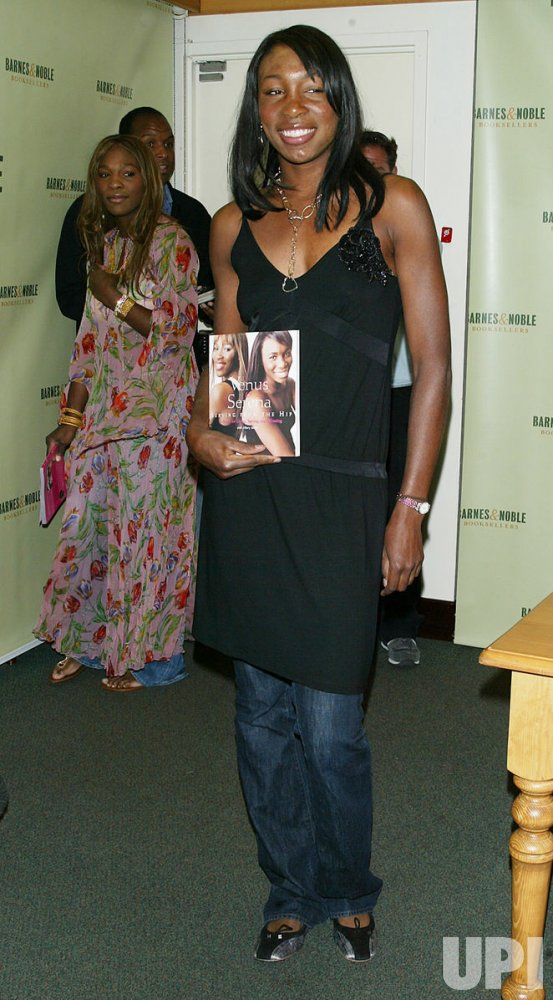 VENUS & SERENA WILLIAMS BOOKSIGNING