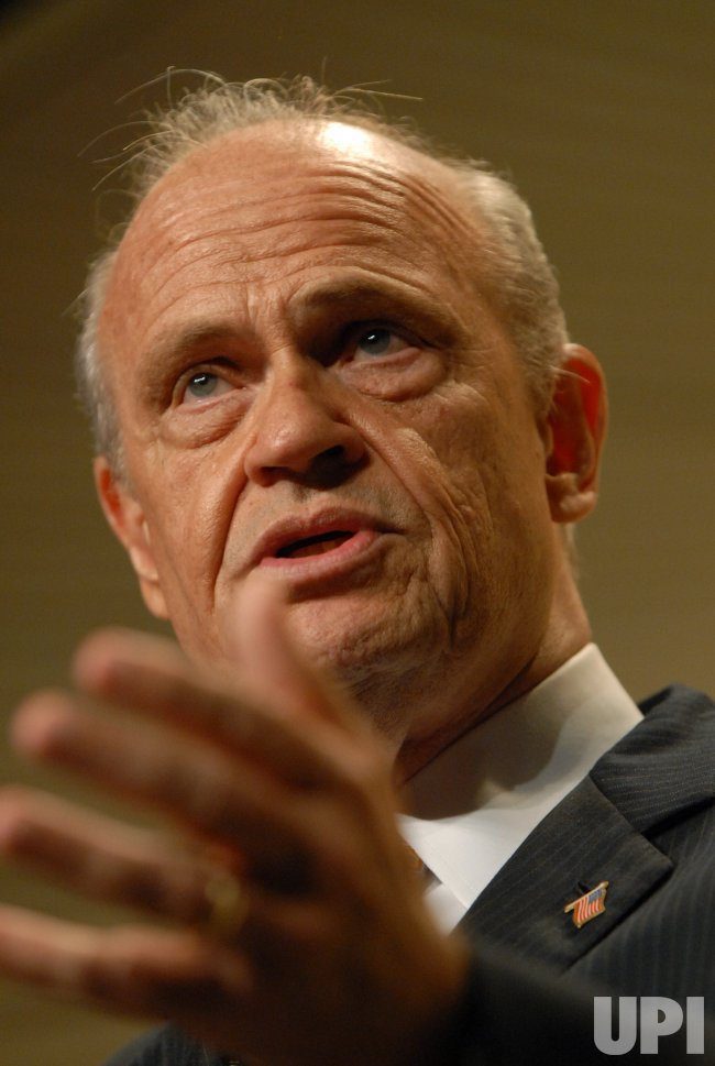 FRED THOMPSON SPEAKS AT NRA CONVENTION IN WASHINGTON