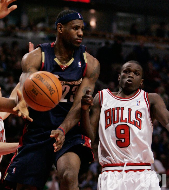NBA CLEVELAND CAVALIERS VS CHICAGO BULLS