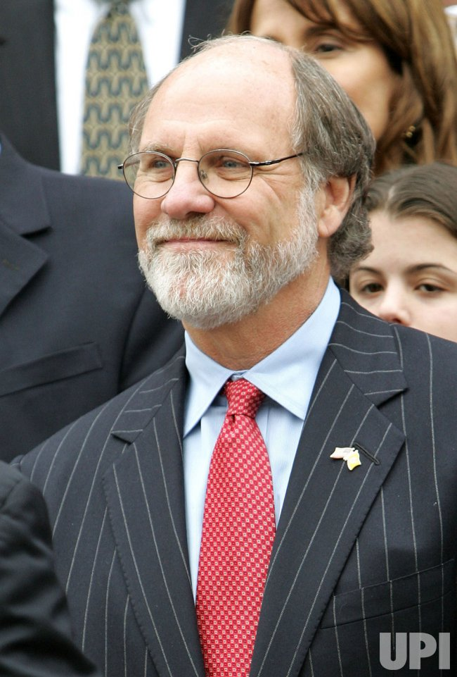 NEW JERSEY GOV. CORZINE IN CAR ACCIDENT