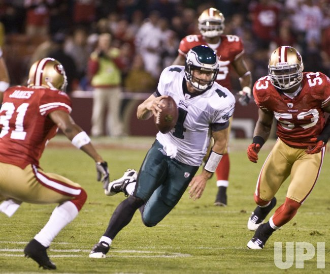Eagles quarterback Kevin Kolb beats the 49ers in San Francisco