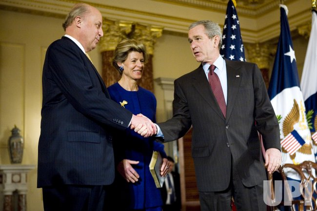 Bush attends swearing-in of Negroponte as Deputy Secretary of State