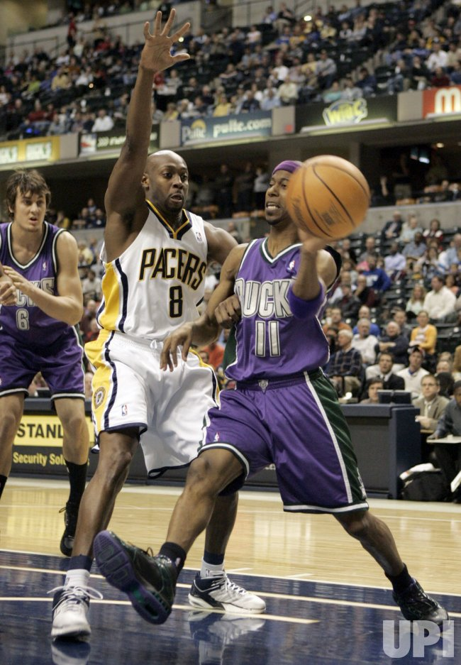 INDIANA PACERS VS MILWAUKEE BUCKS