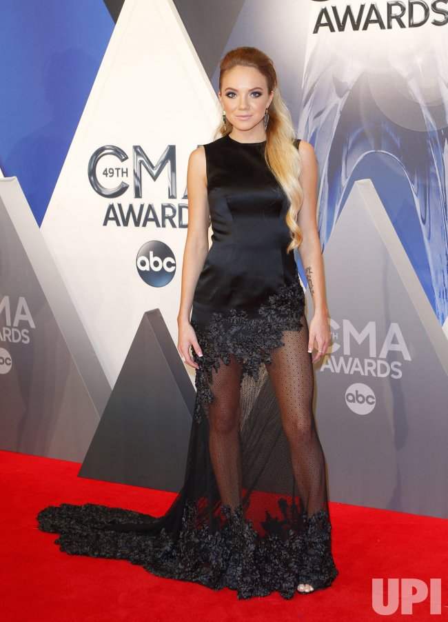 [Image: 2015-CMA-AWARDS.jpg]
