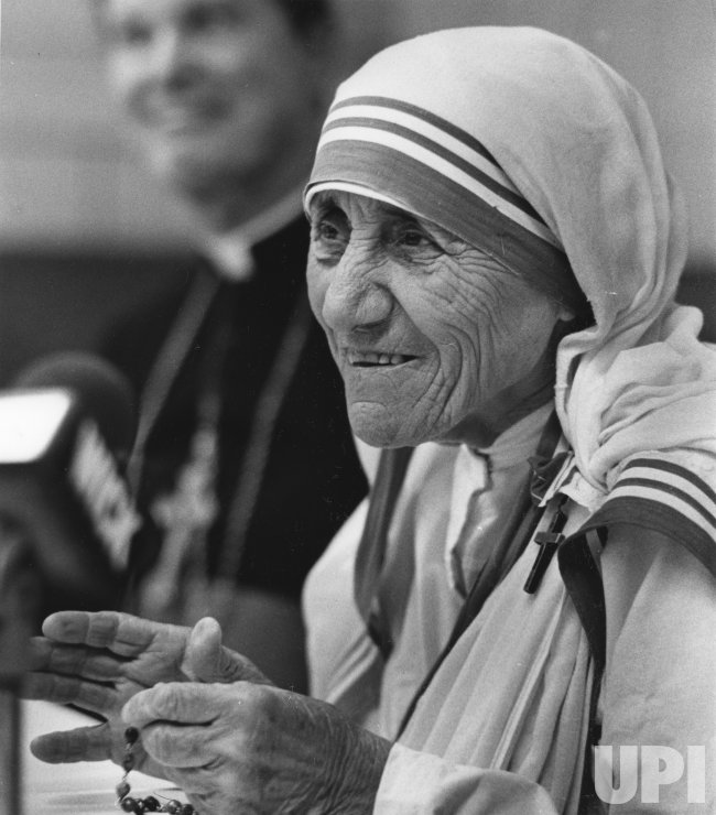 Mother Teresa at news conference in Scranton