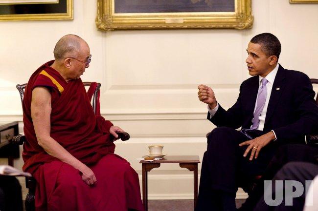 Dalai Lama meets with U.S. President Obama in Washington