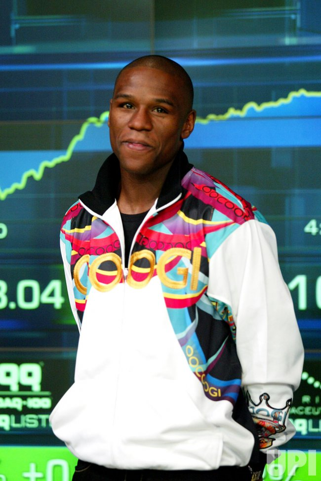 BOXER FLOYD MAYWEATHER RINGS NASDAQ CLOSING BELL