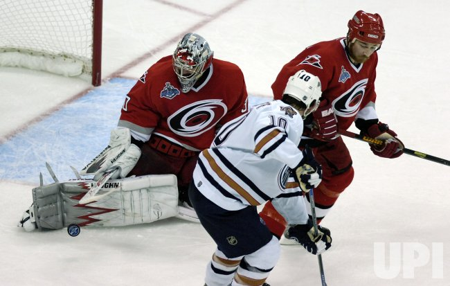 NHL EDMONTON OILERS VS CAROLINA HURRICANES