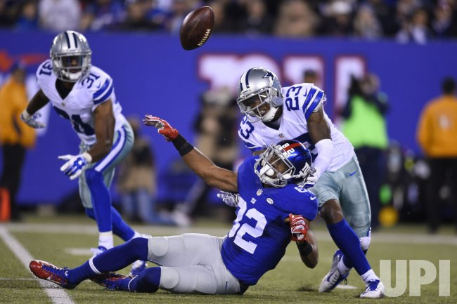 New York Giants wide receiver Rueben Randle cannot handle the pass