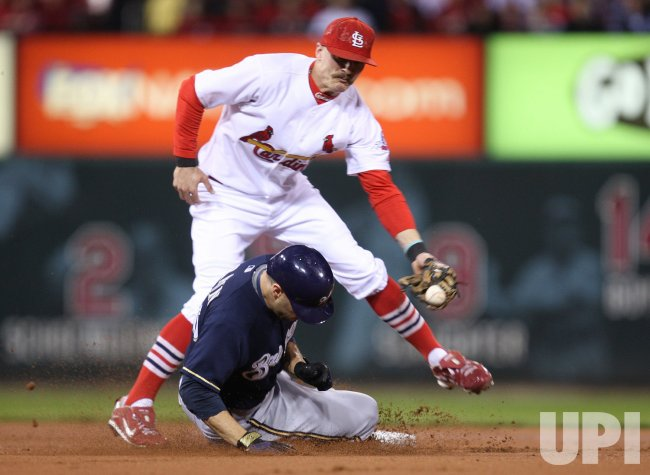 Milwaukee Brewers steal second base