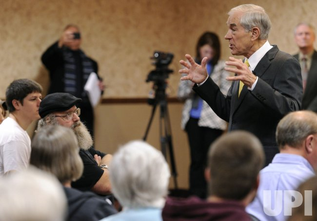 GOP presidential candidate Ron Paul campaigns in Ft. Madison, Iowa