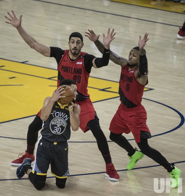 Nba Playoffs 2019 Nuggets Vs Trail Blazers Game 6 Tv: Warriors Stephen Curry Scores 37 Against Trail Blazers In