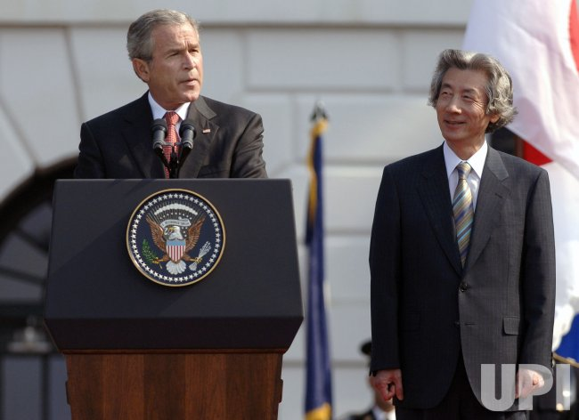 PRESIDENT BUSH WELCOMES JAPAN PRIME MINISTE JUNICHIRO KOIZUMI