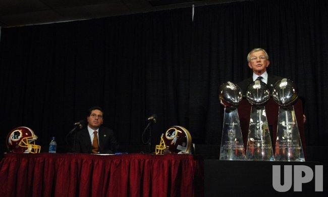 Redskins Head Coach Joe Gibbs resigns in Virginia