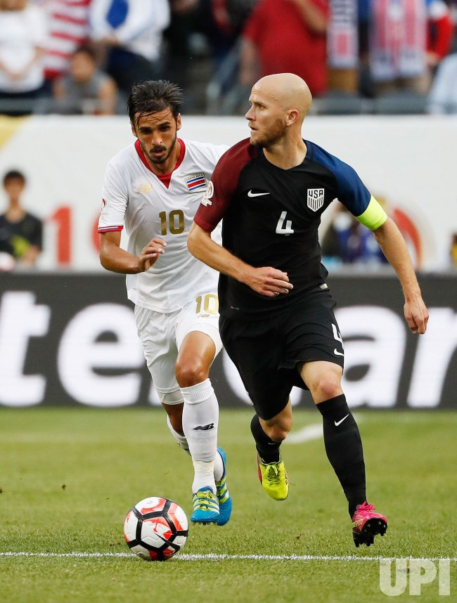 United States' Bradley and Costa Rica's Ruiz play during Copa America Centario in Chicago