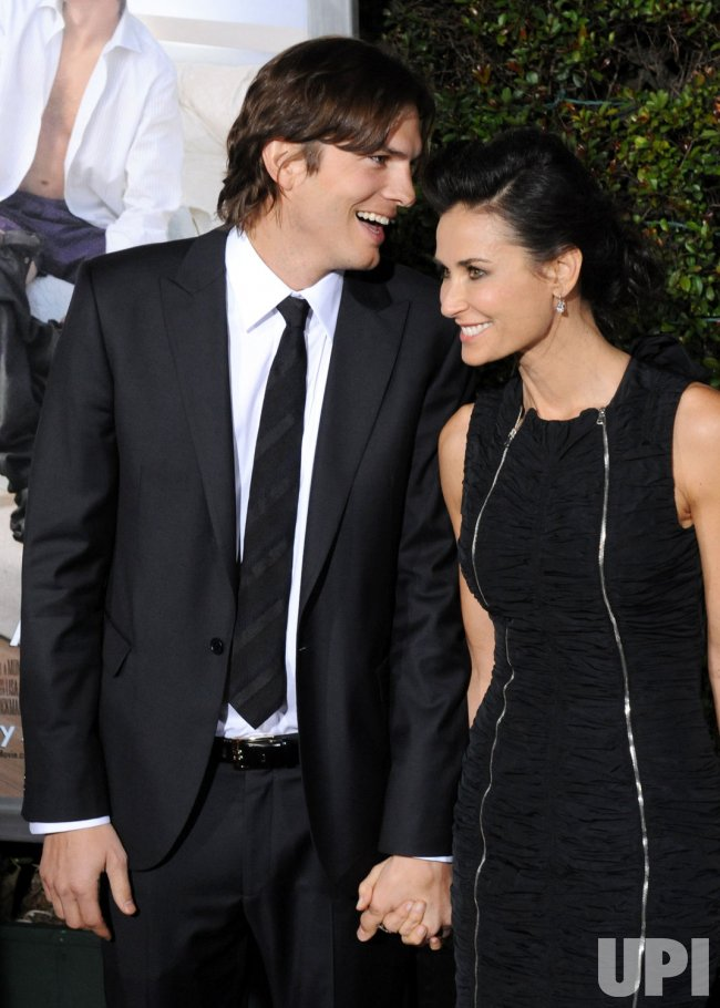 """Ashton Kutcher and Demi Moore attend the """"No Strings Attached"""" premiere in Los Angeles"""