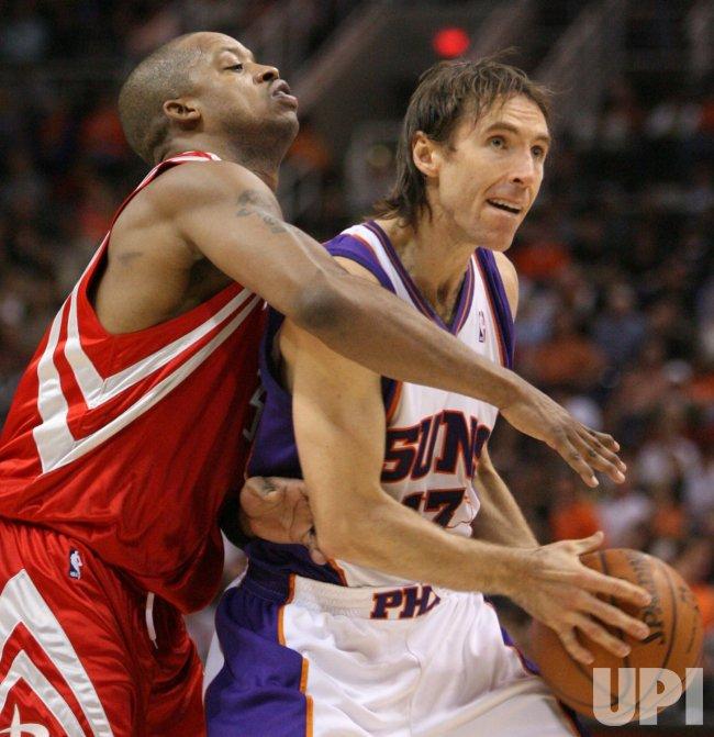NBA Houston Rockets vs Phoenix Suns in Phoenix