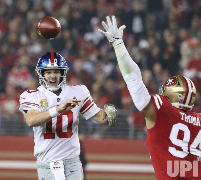 New York Giants Manning beats 49ers 27-23