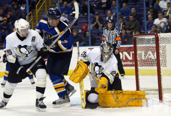 PITTSBURGH PENGUINS VS ST. LOUIS BLUES HOCKEY