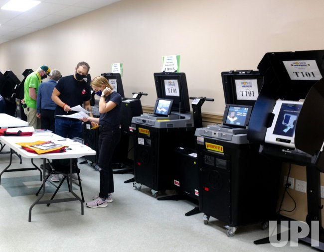 Early Voting and Mail-in Ballot Counting in Broward County, Florida