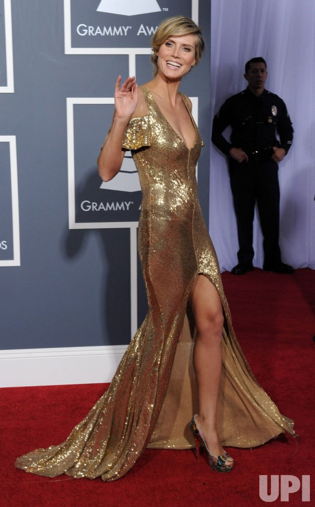 Heidi Klum arrives at the 53rd annual Grammy Awards in Los Angeles