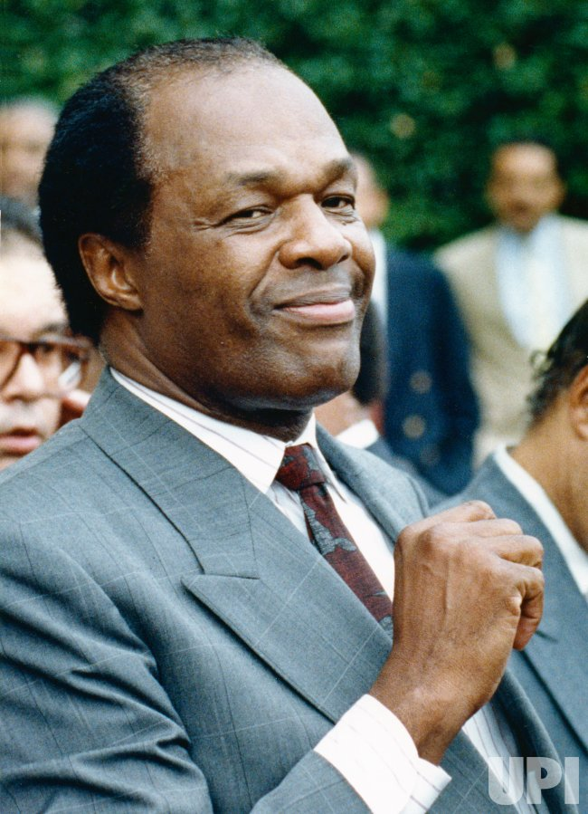 DC Mayor Marion Barry smiles after mistrial was declared in drug and perjury trial