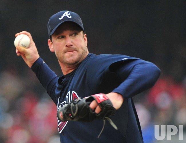 Braves' pitcher Derek Lowe pitches in Washington