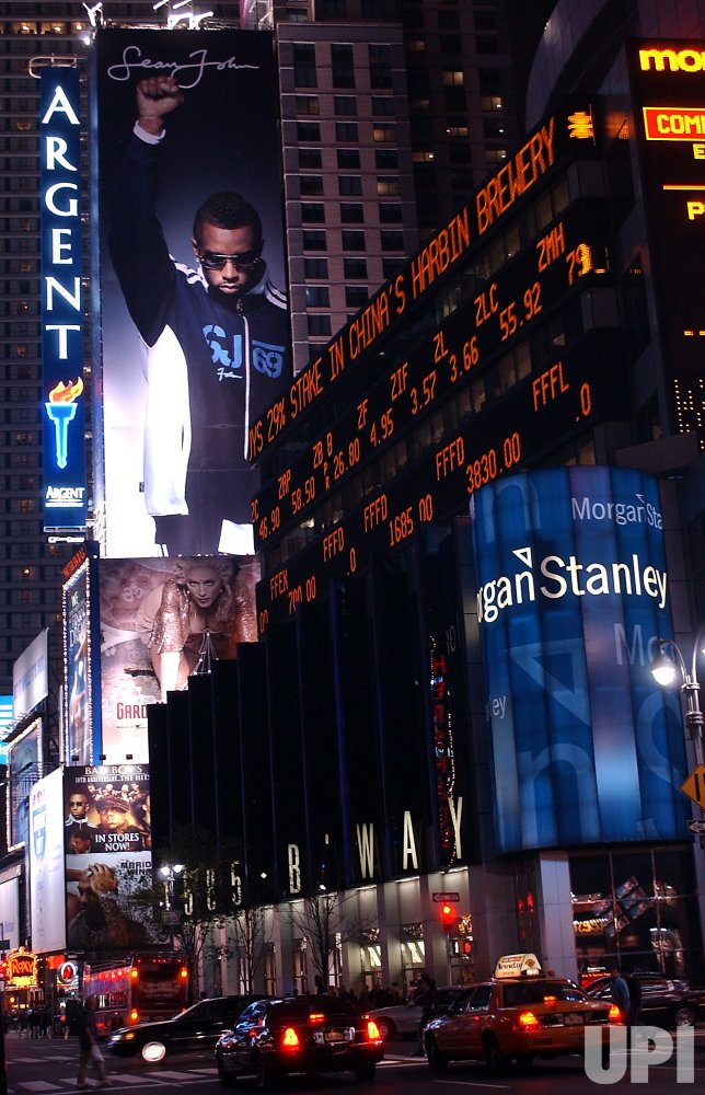 SEAN COMBS BILL BOARD ON BROADWAY