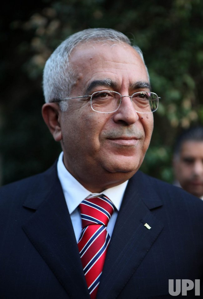 Palestinian Prime Minister Salam Fayyad visits American consulate in Jerusalem