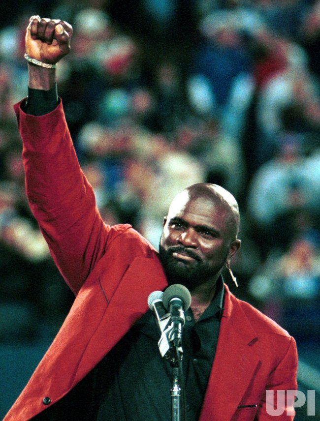 Football Hall of Famer Lawrence Taylor arrested in alleged rape case in New York