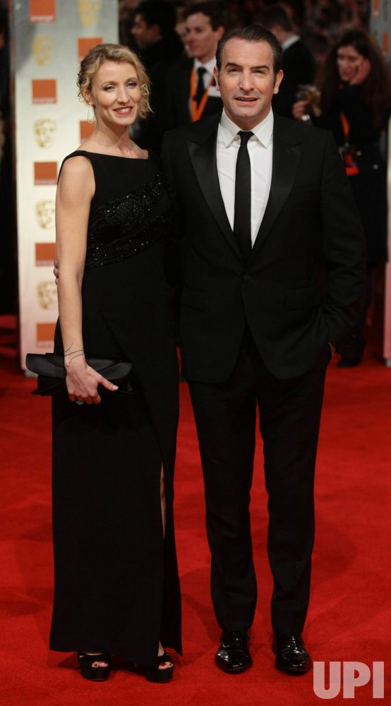 Jean dujardin and alexandra lamy arrive at bafta awards for Jean dujardin bafta