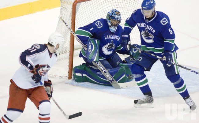 Columbus Blue Jackets vs Vancouver Canucks