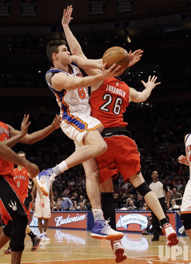 New York Knicks Danilo Gallinari dunks at Madison Square Garden