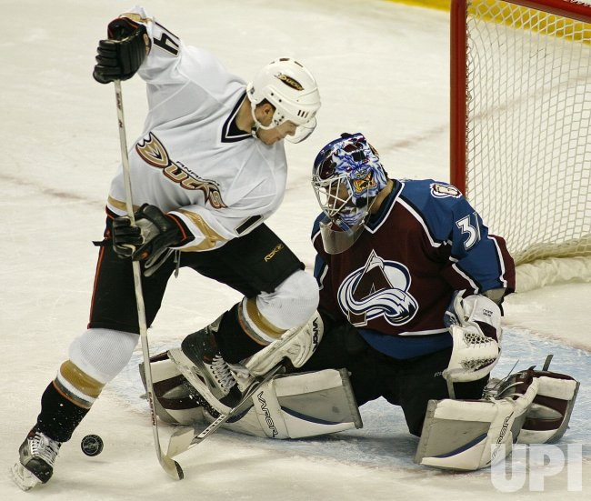 ANAHEIM DUCKS VS COLORADO AVALANCHE