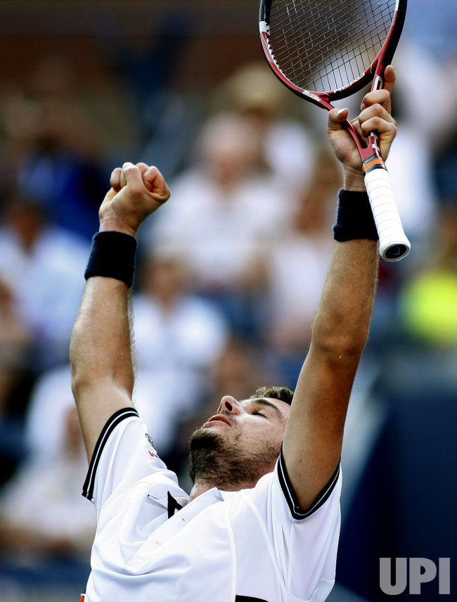 Stanislas Wawrinka ondSam Querrey compete at the U.S. Open in New York