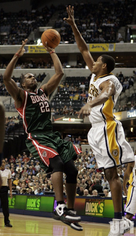 MILWAUKEE BUCKS VS INDIANA PACERS